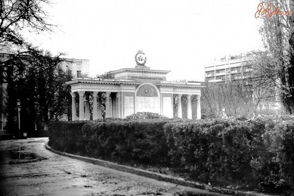 Памятник бюст Г.К.Жукову