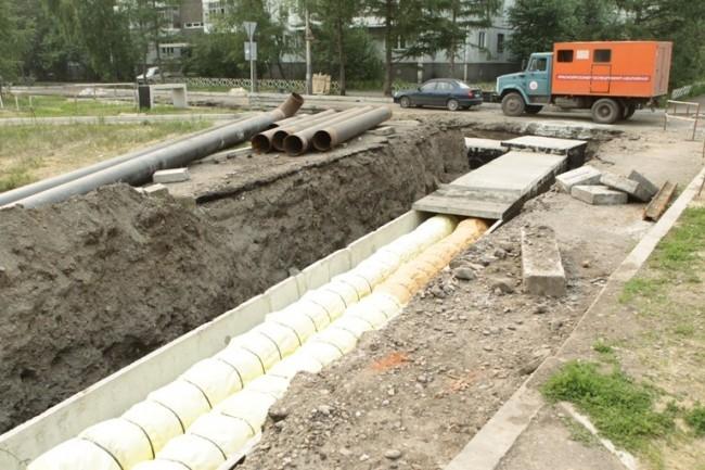 Заканчивается модернизация участка магистральной тепловой сети на ул. Конституции.