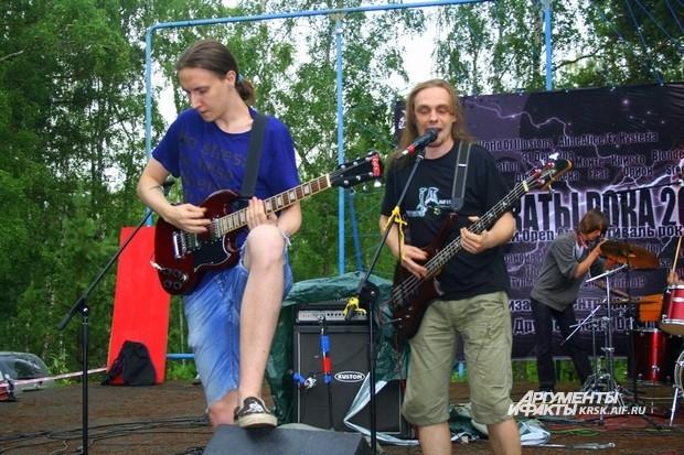 Группа «Паранойя и Ангедония» уже давно выходит на сцены красноярских фестивалей.