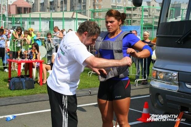 Мария Лайзан, красноярская спортсменка, участница Кубка России по женскому силовому экстриму