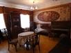 Старинные домики с наличниками, музей в купеческом особняке, который весь состоит из произведений семёновских авторов – тут вам и резной Горький, и деревянные миниатюры реальных зданий, деревянные панно, детские игрушки, старинные интерьеры, керженский ст