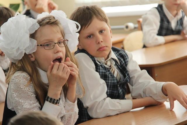 Современные дети знают о компьютере и Интернете больше многих взрослых. Но так же, как и все остальные, иногда «подцепляют» в сети вирусы и попадаются на удочки компьютерных мошенников.
