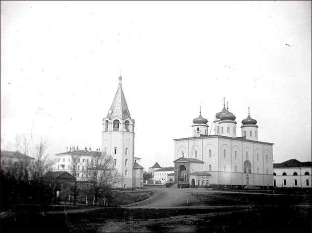 Спасо-Преображенский собор был уничтожен.