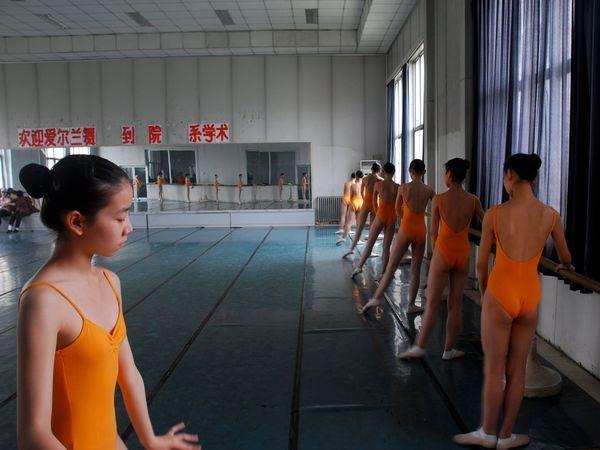 Китайцы очень настойчивы и неутомимы в физическом труде. Это качество в сочетании с крепкими семейными традициями дает китайскому народу огромные преференции на будущее.