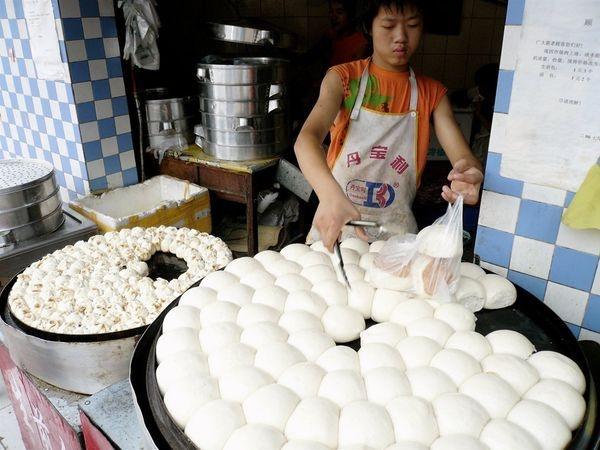 К настоящей китайской еде сибиряку привыкнуть очень трудно