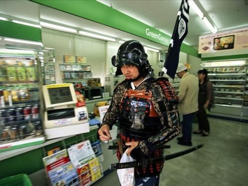Нигде в мире я не чувствовала себя в большей безопасности, чем в этой стране.  У японцев кошелек торчит из кармана – этот нормально!