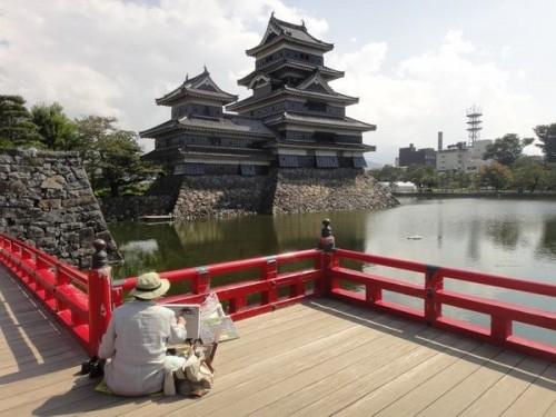 Япония не похожа ни на одну из стран, где я бывала раньше. А после того как я узнала ее поближе и познакомилась с японцами, поверила: несмотря на все катаклизмы, в этой стране все будет хорошо.