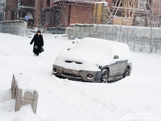 Календарная осень Новосибирске закончилась снегопадами, а зима началась с аномальных морозов.