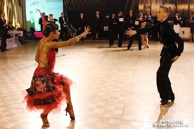 А зрители смогли насладиться не только классическими танго и вальсом, но и зажигательным самбой и румбой