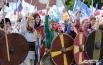 Отличился Дзержинский район, представители которого нарядились в костюмы викингов