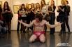 Перфоманс удивительного художника новосибирцы оценили аплодисментами