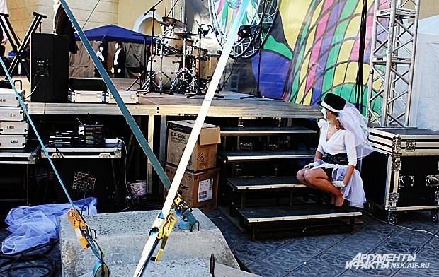"""Перформанс был показан на фестивале """"Белые ночи в Перми-2013"""" в рамках международного фестиваля уличных театров."""