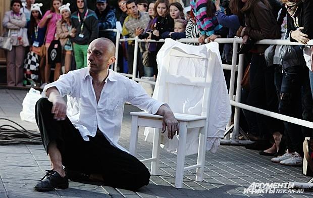 Перфоманс «Моно: Я могу говорить» по мотивам фильма Андрея Тарковского «Ностальгия»