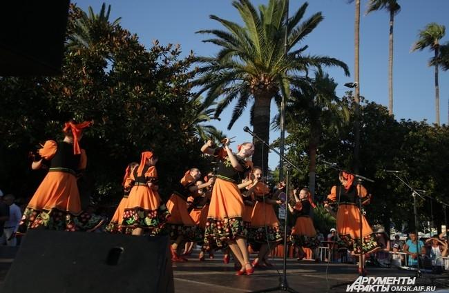На фестивале русской культуры в Каннах европейцы смогли воочию увидеть сибирское творчество