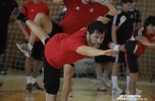Александр Фролов остаётся в команде ещё на один год. Поэтому физическое состояние капитана должно быть на уровне