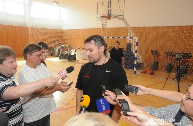 После тренировки Денис Куляш дал интервью