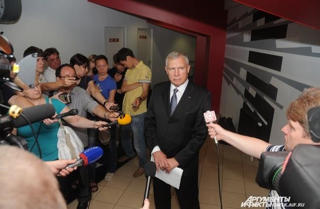 Главный менеджер Юрий Карманов рассказал, что в «Авангарде» ждут защитника из НХЛ