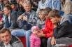 Зрители разных возрастов переживали за участников соревнований.