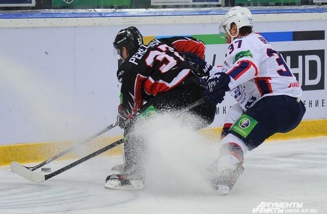 "Хоккейный матч ""Авангард"" - ""Торпедо""."