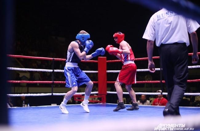 В весовой категории до 56 килограммов чемпионом стал двукратный чемпион мира среди военнослужащих, омич Зинат Жандыбаев, выступавший за сборную России.