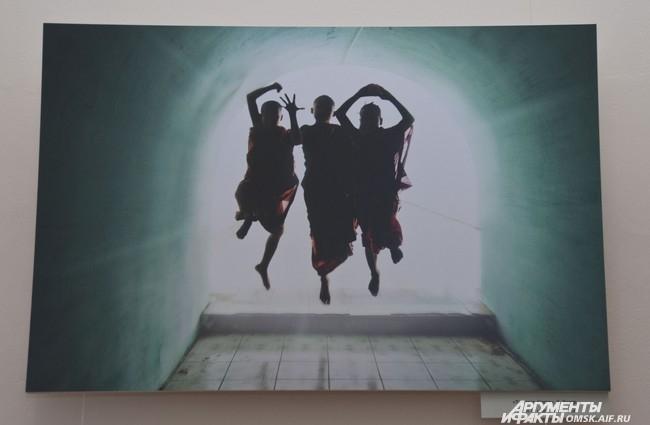 «Туннель света», Д. Лазар.