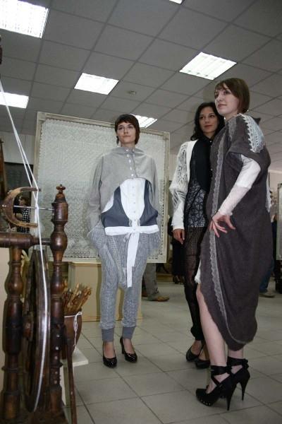 Молодежь не только не забывает традиции, но и привносит в пуховязание модную нотку