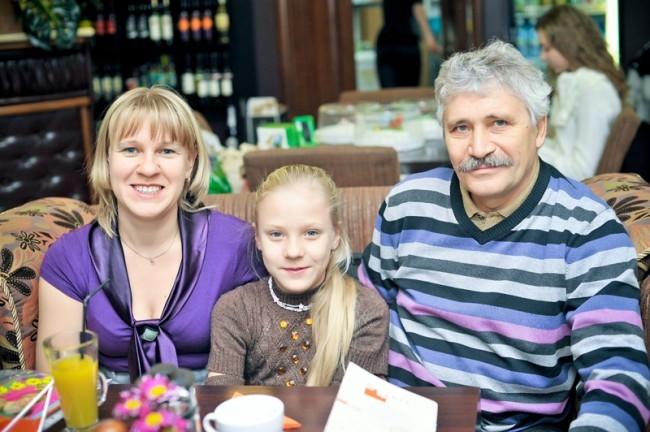Левашова Олеся с родителями