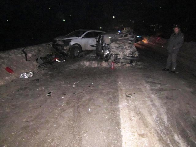 В Орджоникидзевском районе женщина 1967 года рождения - водитель «Hyundai-Getz» превысила скорость движения, не справилась с управлением и выехала на встречную полосу,  где столкнулась с Kia Sportage. В результате ДТП травмы получили водитель и пассажир «