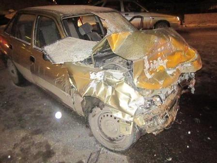 В Мотовилихе водитель автомобиля «Toyota» при невыясненных обстоятельствах столкнулся с «четырнадцатой», а после этого с «Daewoo». В результате ДТП пять человек в тяжёлом состоянии были доставлены в больницы города.
