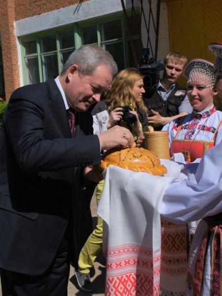 Встречаем губернатора хлебом-солью
