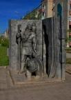 Памятник Кудым-Ошу - легендарному богатырю, герою коми-пермяцкого эпоса, вождю и жрецу,  наделённому сверхъестественной силой.