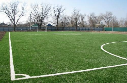 Особая гордость детского дома - в нём оборудовали специальное футбольное поле с искусственным покрытием. Пока такое поле – первое в Пролетарском районе.
