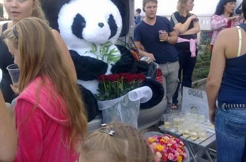 Ростовская школьница Даша Попова пропала у своего подъезда 19 сентября. 28 сентября благодаря случайности девочка была освобождена, а её похититель задержан.