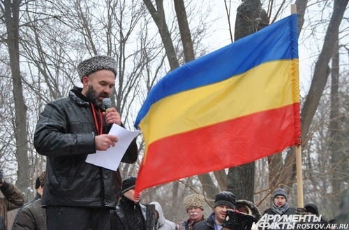 организатор митинга атаман Павел Сериков