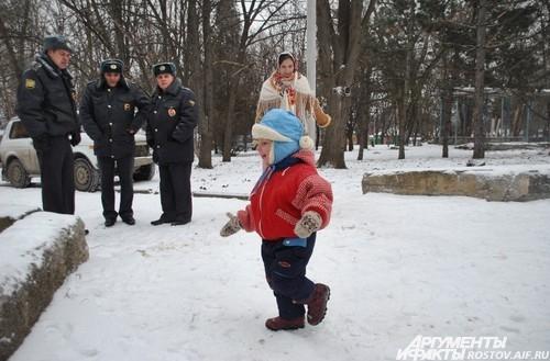 казачки пришли на митинг в национальных одеждах