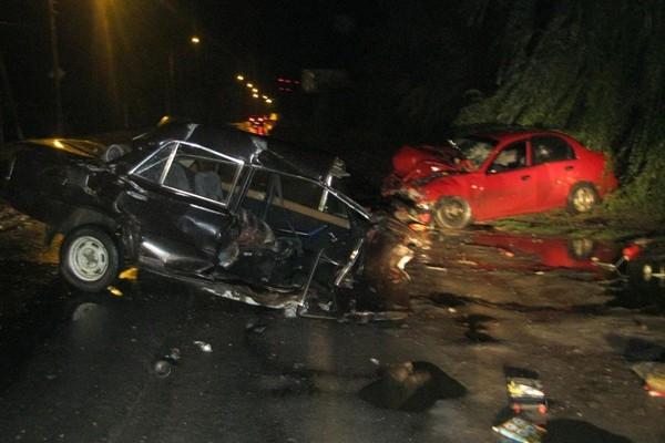 15 сентября в Новочеркасске при столкновении «ВАЗ-21061» и «Шевроле Ланос» пострадали 2 человека
