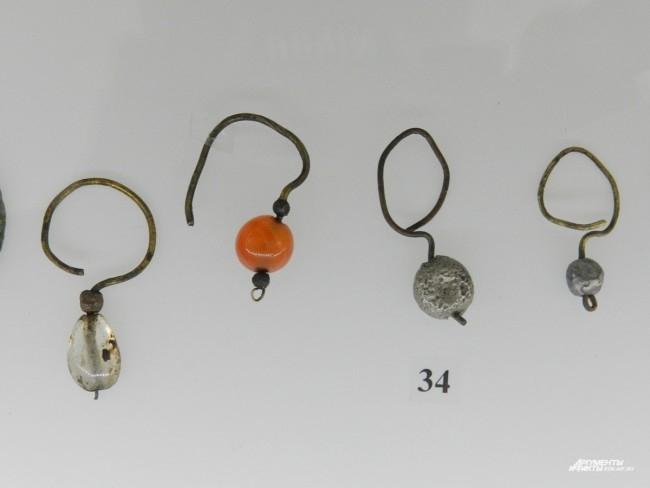 Серьги из цветного металла, 15 век