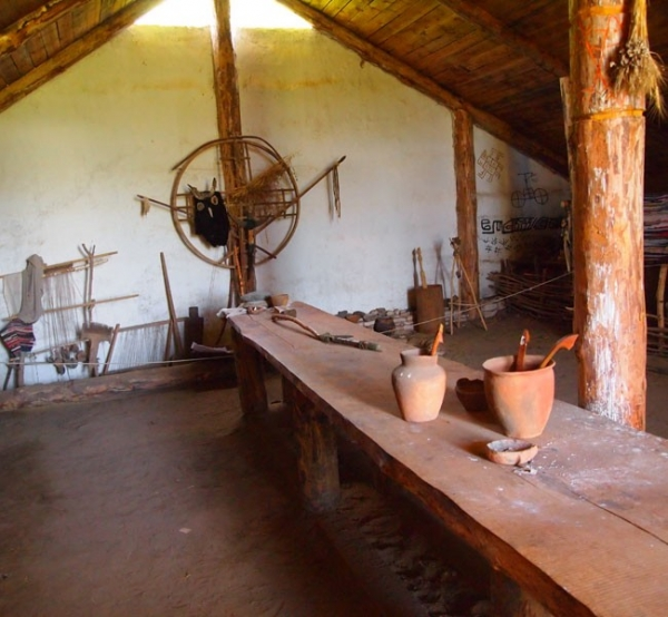 Дом бронзового века