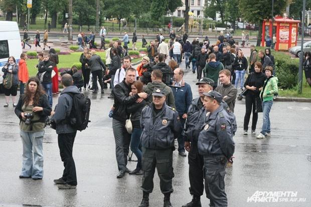 Порядок обеспечивали несколько десятков полицейских