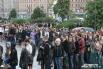 Казалось, что толпа спешит в «Юбилейный» на спортивное мероприятие