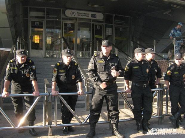 Полиция охраняет порядок на мусульманском празднике