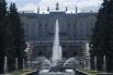 «Большой каскад» состоит из 64 фонтанов и 225 бронзовых скульптур