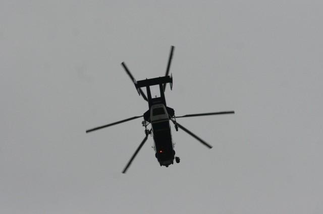 В небе над Соборной мечетью кружит полицейский вертолет