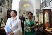 Супруга Президента Южно-Африканской Республики Глория Бонги Нгема (справа) во время посещения Академии русского балета имени А.Вагановой