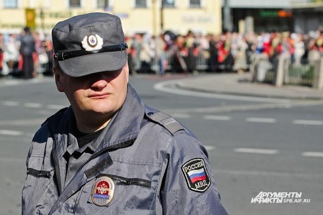 Около 200 сотрудников полиции обеспечивали охрану во время шествия