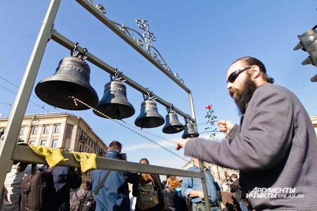 Звон колоколов раздался на Невском проспекте