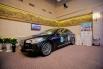 Роскошный автомобиль Kia Quoris украсил зал своим присутствием