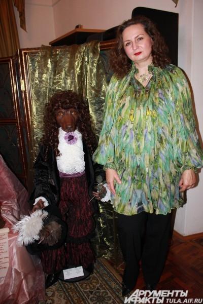Наталья говорит, что все куклы пропущены через душу, поэтому они все любимые. Но сфотографироваться с самой-самой любимой все-таки согласилась
