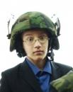 И отличники не прочь были примерить на себе защитный шлем спецназовца.