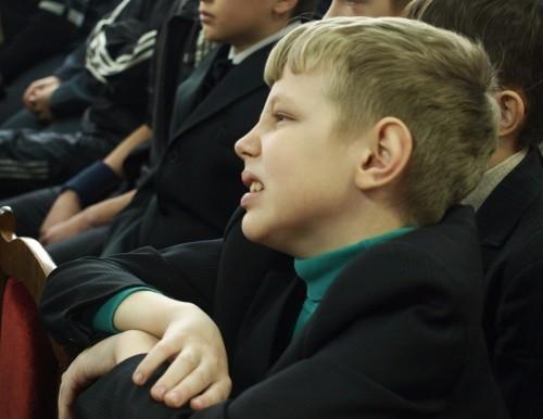При виде оружия учащиеся даже не пытались сдерживать эмоций.